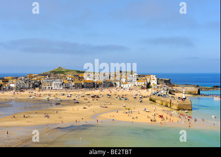 Overlooking the harbour of St. Ives at low tide, Cornwall, England, UK, Europe - Stock Photo