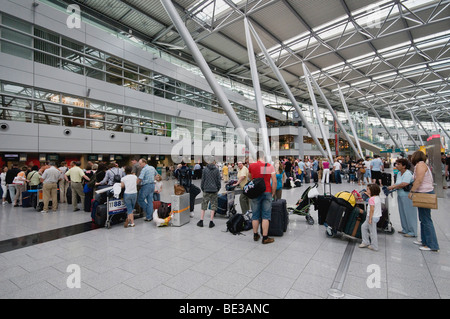 queues during check in at terminal 3 stuttgart airport stuttgart stock photo 75413811 alamy. Black Bedroom Furniture Sets. Home Design Ideas