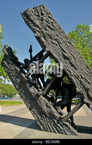 Miners monument, Steile Lagerung steep storage by Max Kratz, bronze, 1989, Essen, North Rhine-Westphalia, Germany, - Stock Photo