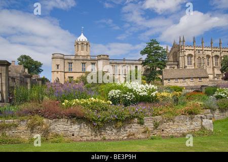 Christ Church war memorial Garden, Oxford University, Cotswolds, England, July, 2009 - Stock Photo