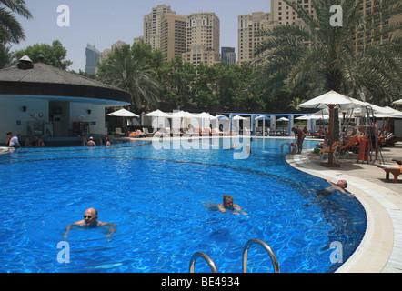 Hotel swimming pool jumeirah beach hotel jumeirah dubai - Jumeirah beach hotel swimming pool ...