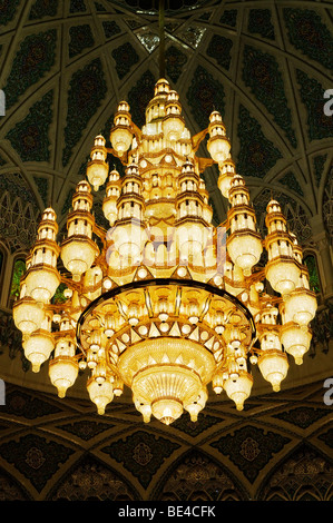 Huge chandelier in the central prayer hall at the Sultan Qaboos Grand Mosque, Muscat, Sultanate of Oman, Arabia, - Stock Photo