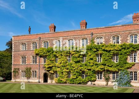 Part of Jesus College in Cambridge (Cambridge University) - Stock Photo