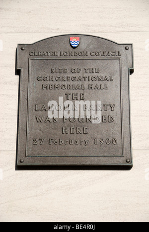 Plaque marking the site of the Congregational Memorial Hall where the Labour Party was founded in 1900, Farringdon - Stock Photo