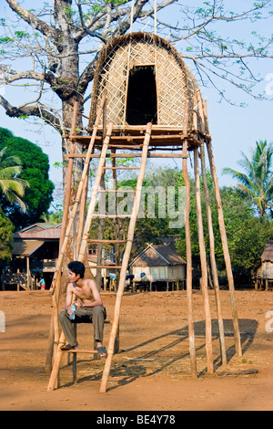 'Man house' where a husband lives prior to wedding, Kreung hilltribe village, near Banlung, Ratanakiri Province, - Stock Photo
