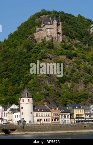 Burg Katz Castle, formally Burg Neukatzenelnbogen and Loreley city St. Goarshausen, UNESCO World Heritage Site Middle - Stock Photo