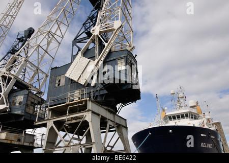 Old cranes at Leith Docks, Edinburgh, Scotland, UK. - Stock Photo