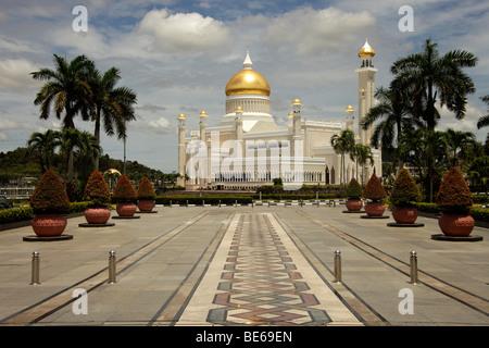 Royal Mosque of Sultan Omar Ali Saifuddin in the capital city, Bandar Seri Begawan, Brunei, Asia - Stock Photo