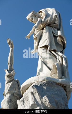 statue 'notre dame des naufrages' at pointe du raz, brittany, finistere, france - Stock Photo