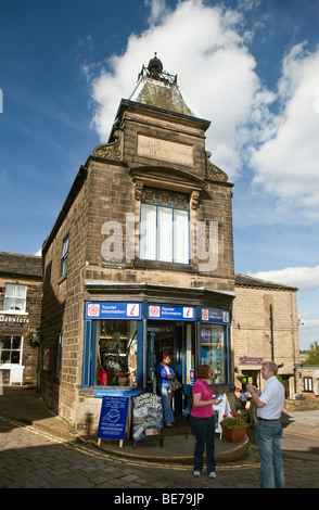 UK, England, Yorkshire, Haworth, West Lane, Tourist Information Centre at top of Main Street - Stock Photo