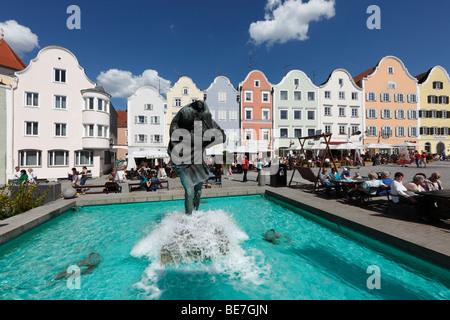 Christophorusbrunnen fountain and Silberzeile row of houses, upper town square, Schaerding, Innviertel, Upper Austria, - Stock Photo