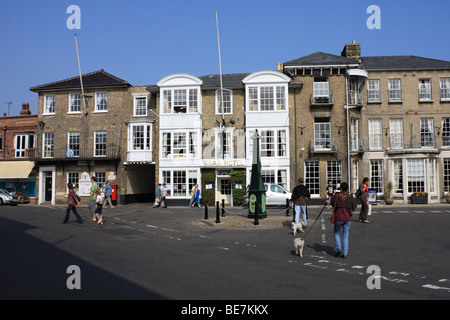 The Swan Hotel and Town Hall in the Market Place, Southwold, Suffolk, England, UK. - Stock Photo