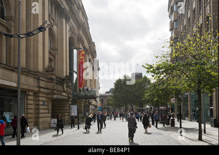 St Ann's Square with the Royal Exchange Theatre to the left, Manchester, England - Stock Photo