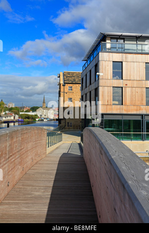 Wakefield from the Waterfront Development, Calder and Hebble Navigation, West Yorkshire, England, UK. - Stock Photo