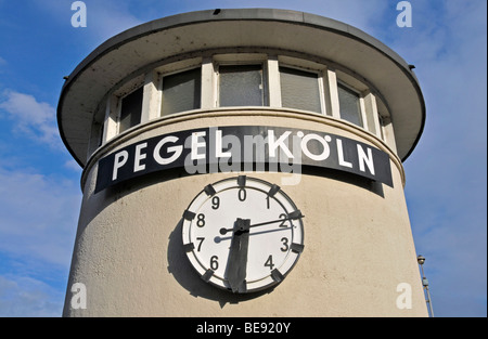 Tide scale of Cologne on the shore of the river Rhine, Cologne, North Rhine-Westphalia, Germany, Europe - Stock Photo