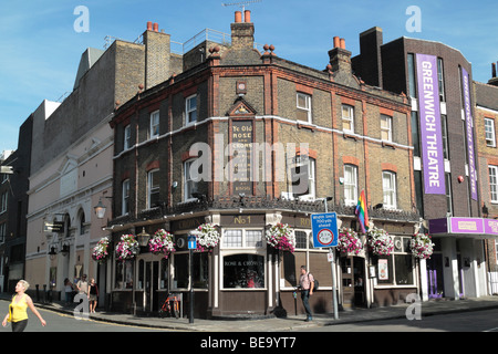 The 'Ye Old Rose & Crown' public house in Greenwich, London, UK. - Stock Photo