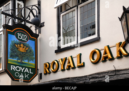 Pub sign, Royal Oak, Crown Street, St. Ives, Cambridgeshire, England, United Kingdom, Europe - Stock Photo