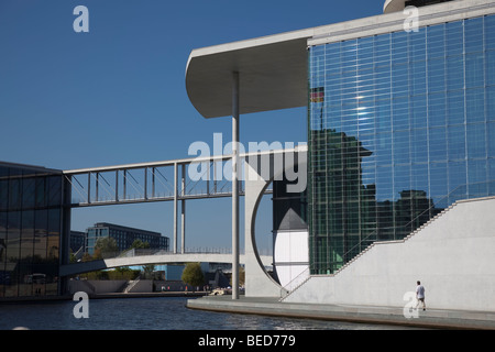 The Marie-Elisabeth-Lüders-Haus on the river Spree, Berlin, is one of a series of new government buildings - Stock Photo