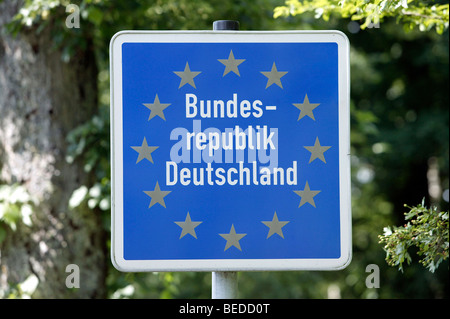Border sign of the Federal Republic of Germany at the border to Austria near Passau, Bavaria, Germany, Europe. - Stock Photo