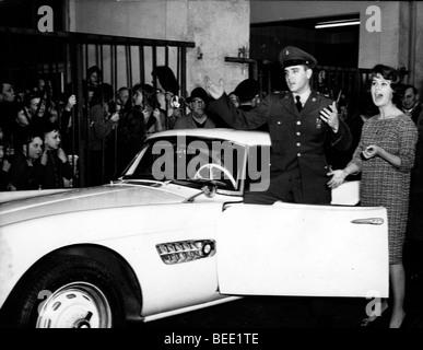 Elvis Presley receives a brand new BMW from Uschi Siebert - Stock Photo