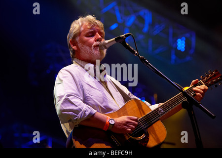 Simon Nicol Fairport Convention Cropredy Folk Festival 2009 - Stock Photo
