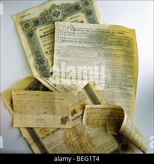 Russian 5 % state loan of 1906 bonds - Stock Photo