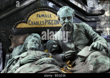Montparnasse Cemetery - tomb of family Charles Pigeon - Paris, France - Stock Photo