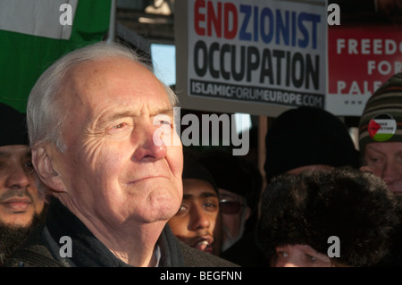 Tony Benn in national demonstration against Israeli attacks and bombing of Gaza & for Free Palestine, London - Stock Photo