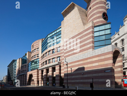 postmodern style office building by James Stirling, 1 Poultry , London, England, UK - Stock Photo
