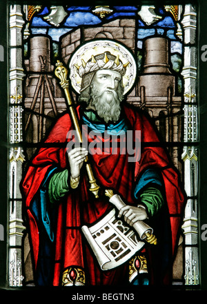 Detail from a stained glass window by A L Moore depicting King Solomon holding the plans to his temple, St Andrew's - Stock Photo