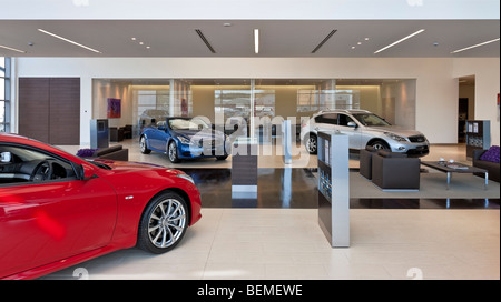 Infiniti Dealer Reading >> Infiniti Car Showroom In Reading Stock Photo 26265167 Alamy