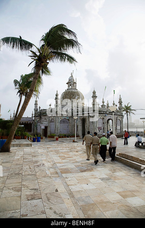 Haji Ali is a venerated tomb (dargah) of the Muslims. Not only from Mumbai people from all parts of India come to - Stock Photo