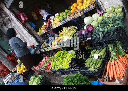Fruit & vegetable stall in the market area of the Avni Rustemi district of Tirana, Albania - Stock Photo