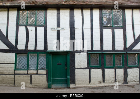 Shere Surrey. Elm Cottage is a former weavers half timbered frame house built in the 17th century. HOMER SYKES - Stock Photo