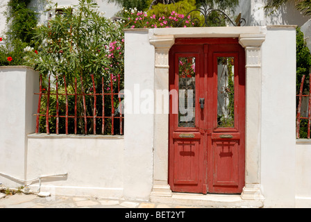 A lovely doorway to the garden of the old Venetian house in the Kastro of Naxos (The Castle of the Dukes). Hora - Stock Photo