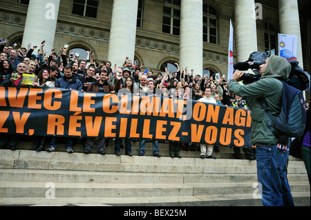 Paris, France, Crowd Holding Demonstration Flash Mob of French Environmentalists to Wake up French President, Green - Stock Photo