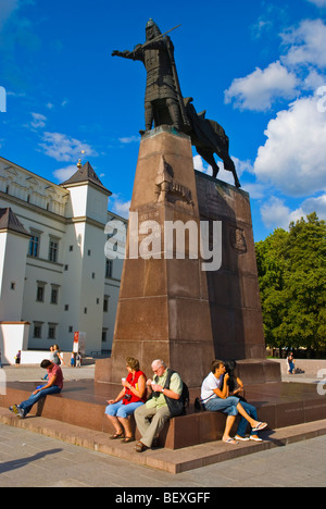People at equestrian statue of Gediminas at Katedros aikste square in Vilnius Lithuania Europe - Stock Photo