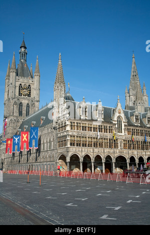 Cloth hall and market square in Ypres - Stock Photo