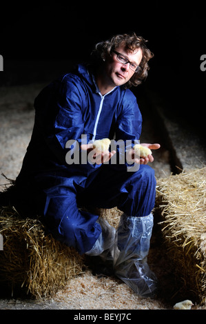 Broadcaster Hugh Fearnley-Whittingstall visits a chicken farm in Gloucestershire where chicks are delivered for - Stock Photo