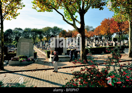 Paris, France - 'Pere Lachaise' Cemetery, Monuments, People Visiting, 'Street Scene' 'Urban Parks' - Stock Photo