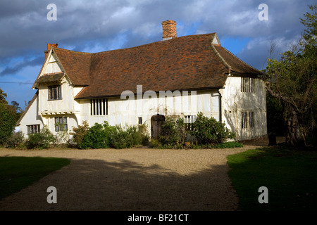 Valley Farm, Flatford Mill, Suffolk, England. 600 year old medieval hall. - Stock Photo