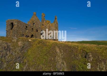 Dunskey Castle, Near Portpatrick, Mull of Galloway, Dumfries and Galloway, Scotland. - Stock Photo