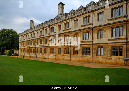Partial view of the 'King's College' building, founded in 1441 by King Henry VI., King's Parade, Cambridge, Cambridgeshire, - Stock Photo