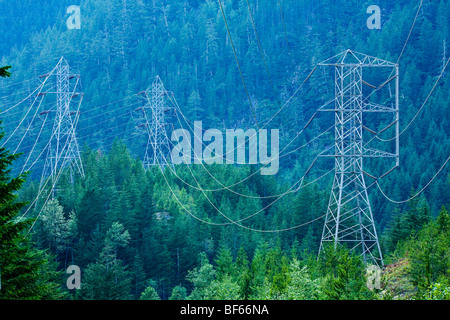 High tension power lines in the North Cascades of Washington, USA. - Stock Photo