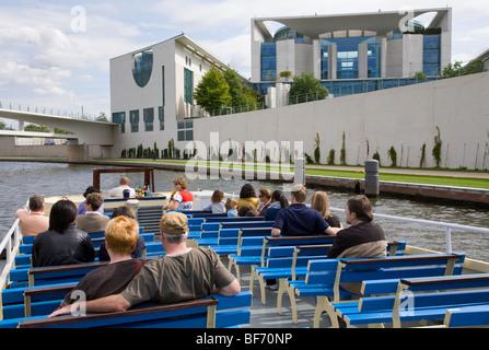 Excursion boat on river Spree in front of Federal Chancellery in Berlin, Germany   Deutschland, Berlin, Bundeskanzleramt, - Stock Photo