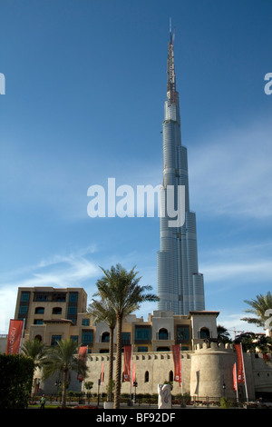 Burj Dubai is a tall skyscraper under construction in Dubai and the tallest man-made structure ever built, at 818 - Stock Photo