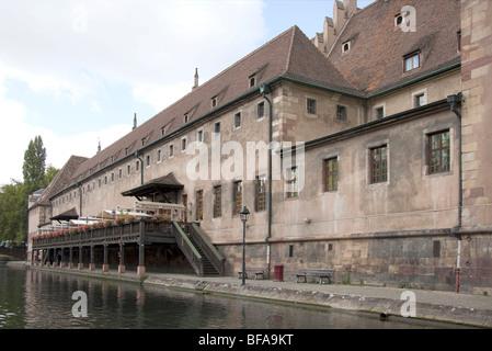 Warehouse on Quai Saint-Nicolas Strasbourg Alsace France, Ill river, sunny  099772 Strasbourg - Stock Photo