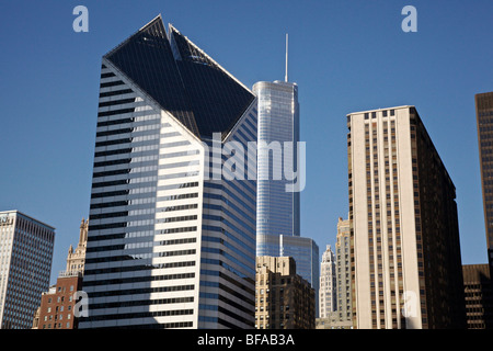 Skyscrapers, Chicago, Illinois. Smurfit Stone Building and Trump Tower. - Stock Photo