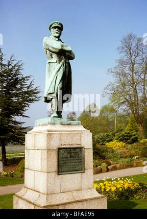 UK, England, Staffordshire, Lichfield, Beacon Park, Statue to Commander Edward John Smith, captain of RMS Titanic - Stock Photo