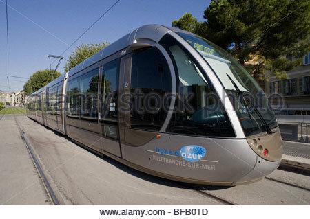 Nizza, moderne Stra enbahn - Nice, Modern Tramway - Stock Photo